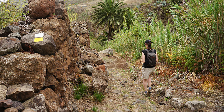 backpack-Tenerife-hiking-canary-islands-canariaways