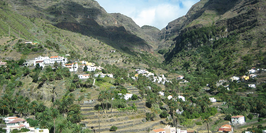 terraced-fields-la-gomera-canary-islands-hiking-canariaways